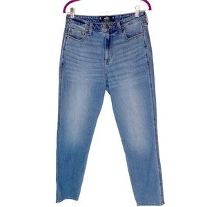 Hollister Ultra High Rise Mom Jean Vintage Stretch